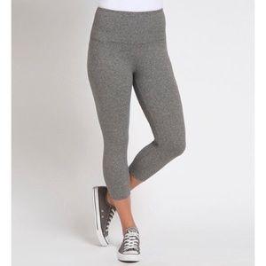 NWT Lysse Capri leggings size large